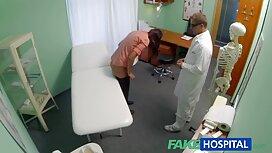 Riley Reid vành treo đinh tán đen trong phòng phim xx online khách sạn