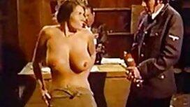 - Brunette phimxx loạn luân Ava Taylor cho Bruno một cú giật mình